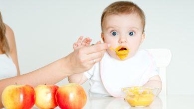 طعام الطفل الرضيع شهر بشهر