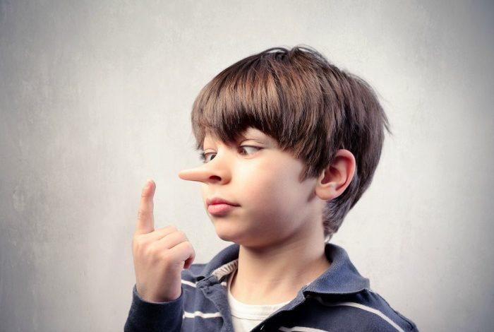 أسباب الكذب عند الأطفال
