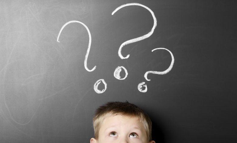 كيف تتعاملي مع فضول طفلك وأسئلته المحرجة