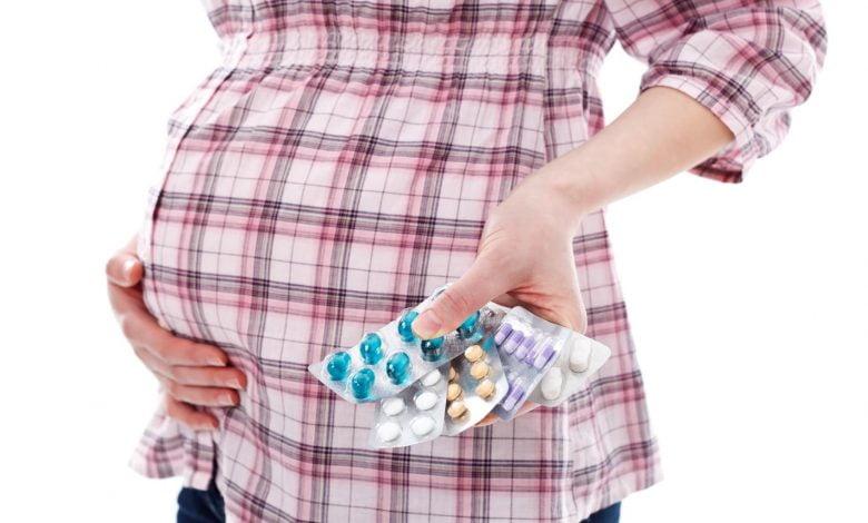 هل مثبتات الحمل تمنع الولادة الطبيعية؟
