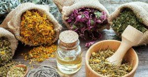 طرق تحمية الطلق للولادة الطبيعية (أطعمة وأعشاب)