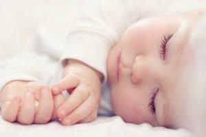 تطور الطفل في الشهر الثاني