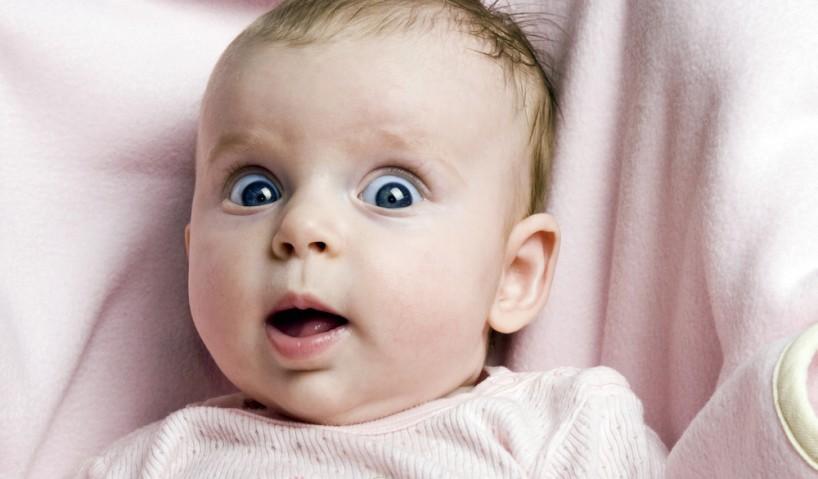 تطور الطفل في الشهر الثالث