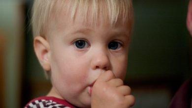 مص الأصابع عند الرضع