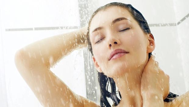 الاستحمام اثناء الدورة الشهرية