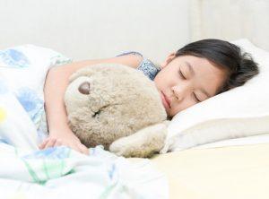 نوم الطفل في غرفة مستقلة