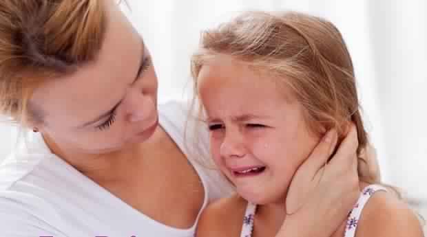 علاج الماء خلف طبلة الأذن عند الأطفال