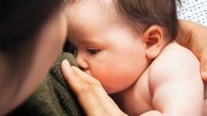 تخفيف ألم طفلك بعد التطعيم