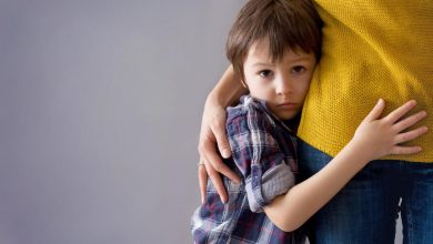 أسباب خوف الطفل من الناس