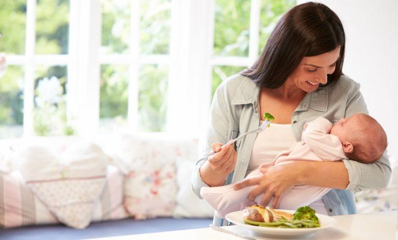 أطعمة تؤثر على حليب الرضاعة