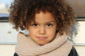 علاج الشعر المتقصف للأطفال