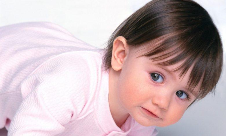 تنعيم شعر الأطفال والرضع