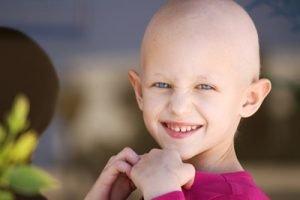 من الأمراض الخبيثة التي تصيب الانسان سنتعرف في هذا المقال على أسباب سرطان الدم عند الأطفال ( اللوكيميا ) عند الأطفال وسنتعرف ايضا على أعراض هذا المرض وطرق علاجه ..