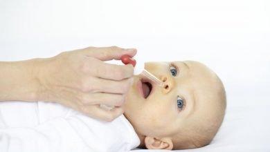طرق تنظيف أنف الطفل الرضيع
