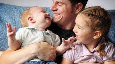كيف يكون الأب صديق لطفله؟