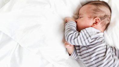 متلازمة الموت المفاجئ عند الرضع وهدهدة المولود