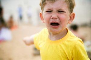 طرق علاج الأنين عند الأطفال..الزّن والإلحاح