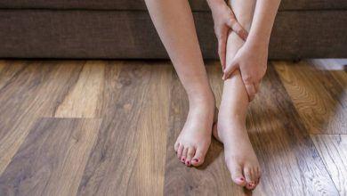 تورم القدمين بعد الولادة