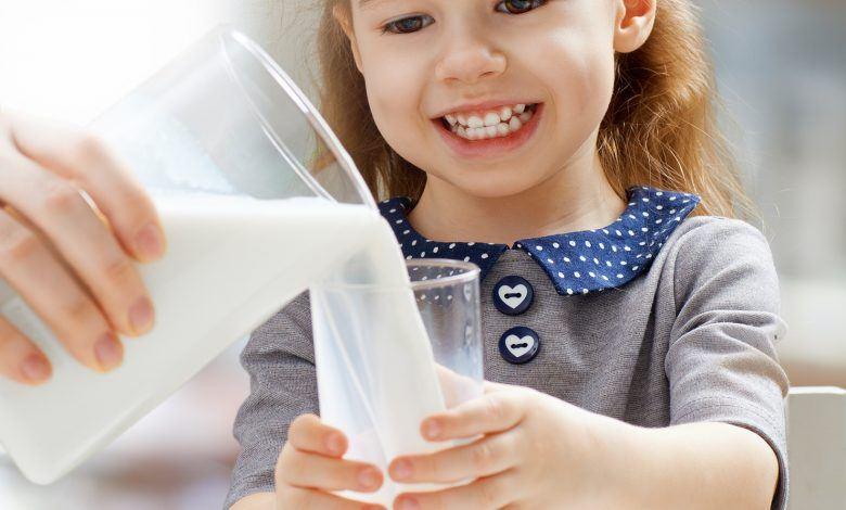 فوائد اللبن للأطفال